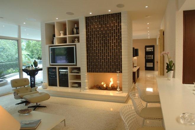 Modern Family Room by bryan wark designs, Inc.
