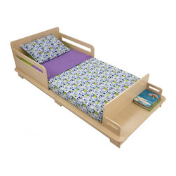 Kidkraft - KidKraft Modern Toddler Bed Cot - Kidkraft - Toddler Beds - 86921 - Your child will love the attractive and modern look of the Modern Toddler Bed Cot. Featuring a bench at the foot of the cot that can be used for storage or seating this item is also made of wood and a sturdy construction including decorative bed rails and a low enough height level for easy access that will help make the transition from a crib to a regular bed as painless as possible for the young ones in your life.