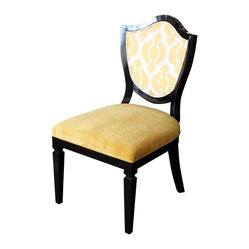 Grand Shield Chair