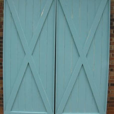 Traditional Front Doors by Vedere