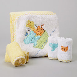 SpaSilk - Yellow Animal Boat Hooded Towel Set - Splish splash, it's time for a bath. Featuring washcloths for cleanups and a hooded towel for after cleaning up, this supersoft and absorbent set is Baby's best bath time companion. �� Includes one towel and four washcloths Towel: 26'' x 30'' Washcloth: 9'' x 9'' 100% cotton Machine wash; tumble dry Imported