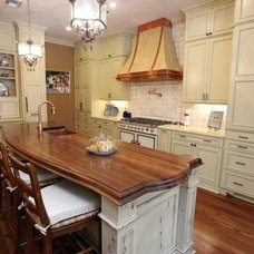 Traditional Kitchen Islands And Kitchen Carts by The Grothouse Lumber Company