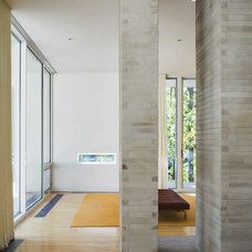 Modern  by Hanrahan Meyers Architects
