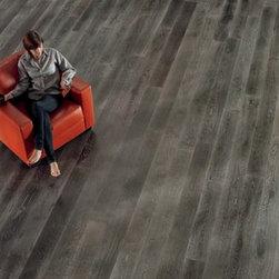 Nature's Beauty Hardwood Flooring - Oak hardwood can be furnished & installed by Diablo Flooring, Inc. showrooms in Danville, Walnut Creek, & Pleasanton, CA.