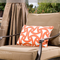 DrapeStyle Outdoor Drapery - DrapeStyle offers a full selection of outdoor drapery and pillows from Sunbrella and Schumacher.