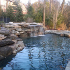 Traditional Pool by GITTLEMAN CONSTRUCTION