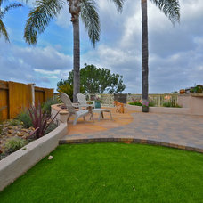 Traditional Patio by California Smartscape
