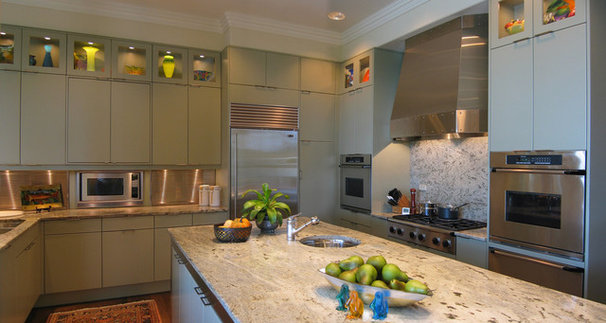 Contemporary Kitchen by Kitchen Traditions of Colorado
