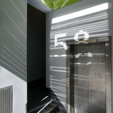 Modern Entry by Workshop/apd