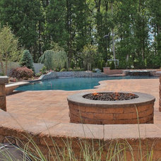 Traditional  by Elite Landscapes & Pavers INC
