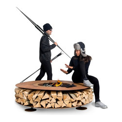 AK47 - AK47 Zero - An outdoor wood fireplace, a nest in which to seek refuge, enjoying the warmth of the fire: the eccentric dance of the flames is replaced by the silent burning of the embers. A sweet warmth that comforts your guests.
