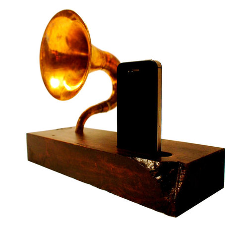 BSquaredInc - Acoustic Symphony 1.1 iPhone Speaker Horn - This lovely piece is an all acoustic player for your Apple devices, no cords to plug in, no batteries to charge, just music. The horn is a reclaimed brass horn that has been modified for this purpose. The horn has also been treated to our antiquing patina, which as you can see brings out some exquisite character in the brass.