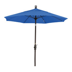 California Umbrella - 7.5 Foot Sunbrella Crank Lift Collar Tilt Aluminum Market Umbrella, Bronze Pole - California Umbrella, Inc. has been producing high quality patio umbrellas and frames for over 50-years. The California Umbrella trademark is immediately recognized for its standard in engineering and innovation among all brands in the United States. As a leader in the industry, they strive to provide you with products and service that will satisfy even the most demanding consumers.