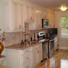 Modern Kitchen Cabinetry by Lily Ann Cabinets