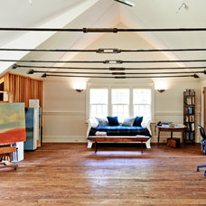 Farmhouse Family Room by Connor Homes