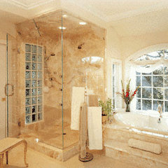 traditional showers by Moran Glass, Inc