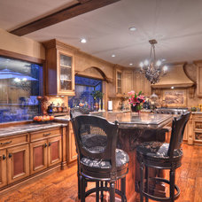 Traditional Kitchen Cabinets by DW Cabinetry