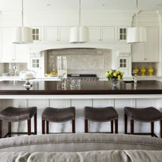 Kitchens / Love this big open kitchen into the family room