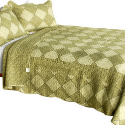 Blancho Bedding - [Natural Grace] 3PC Vermicelli-Quilted Plaid Patchwork Quilt Set (Full/Queen) - Set includes a quilt and two quilted shams (one in twin set). Shell and fill are 100% cotton. For convenience, all bedding components are machine washable on cold in the gentle cycle and can be dried on low heat and will last you years. Intricate vermicelli quilting provides a rich surface texture. This vermicelli-quilted quilt set will refresh your bedroom decor instantly, create a cozy and inviting atmosphere and is sure to transform the look of your bedroom or guest room. Dimensions: Full/Queen quilt: 90 inches x 98 inches  Standard sham: 20 inches x 26 inches.