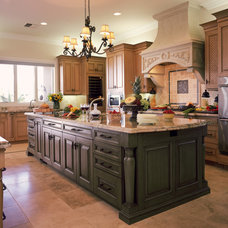 Traditional Kitchen by Cooper Pacific Kitchens