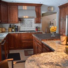 Traditional Kitchen by Studio 76 Kitchen & Bath Designers