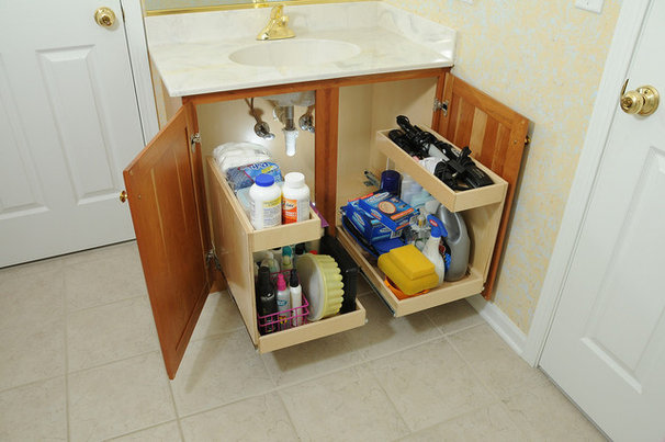 Contemporary Bathroom Cabinets And Shelves by ShelfGenie of Chicago