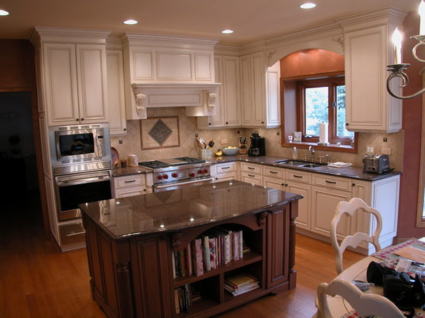 Traditional Kitchen Countertops by QUALITY GRANITE & MARBLE