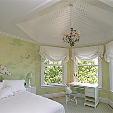 Traditional Bedroom by Chambers + Chambers Architects