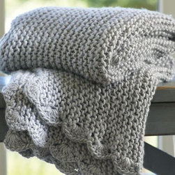 Scallop-Knit Throw - This throw is chunky and functional but still sports a pretty scalloped edge.