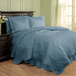 Waverly - Dressed Up Damask Blue Four-Piece Full/Queen Scalloped Quilt Set - - Add a touch of extravagance to your bedroom with the Waverly Dressed Up Damask 4 Piece Quilt Collection. This luxurious quilt features a large scale damask pattern brought to life with intricate stitching and puckering effects. Quilt features all-around scalloped edges with self-binding for a designer finish. Shams have coordinating scalloped flange.  - Full/Queen Set Measures 88-Inch X 90-Inch With Two 21-Inch X 26-Inch Pillow Shams And A 60-Inch X 80-Inch Bed Skirt With A 15-Inch Drop  - 100% Cotton  - Machine Wash Cold on the Gentle Cycle. Tumble Dry on Low Waverly - 13812BEDDF/QBLU