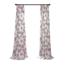 Exclusive Fabrics & Furnishings, LLC - Allium Blue Gray Printed Cotton Curtain - Windows update: This botanical print of allium blooms has evolved into a simple and sophisticated pattern that can change your environment with delightful results.