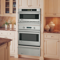 GE Monogram built-In oven with Advantium® Speedcook technology- 240V - Advantium® 240 ovens can be installed over a Monogram warming drawer, as a complement to a Monogram single convection oven, or by itself as its own speedcooking center.  Enjoy oven-quality food up to 8-times faster than a conventional oven.