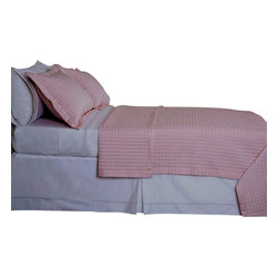 """Bed Linens - Blush/Pink Checkered Coverlet Set Egyptian cotton 400 Thread count Reversible, T - Luxury Egyptian cotton Checkered quilted coverlets * 400 thread count Single Ply * 100% Egyptian cotton both sides (Reversible) * 1"""" Quilted Checkered * 3"""" Silky Sateen hemming all sides * Machine Washable Single-ply coverlets are woven with long staple cotton fibers for superior levels of quality, durability, and softness; these ultra fine yarns of cotton are silky, soft, and woven in single pick insertion for silky feel."""