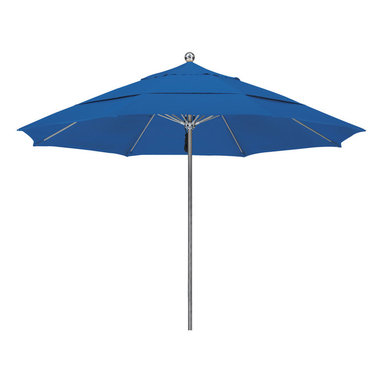California Umbrella - 11 Foot Sunbrella Fabric Stainless Steel Single Piece Pole Market Umbrella - California Umbrella, Inc. has been producing high quality patio umbrellas and frames for over 50-years. The California Umbrella trademark is immediately recognized for its standard in engineering and innovation among all brands in the United States. As a leader in the industry, they strive to provide you with products and service that will satisfy even the most demanding consumers.