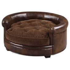 Traditional Pet Beds by Fratantoni Lifestyles