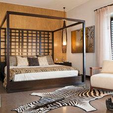 Contemporary Bedroom by ADRIANA HOYOS