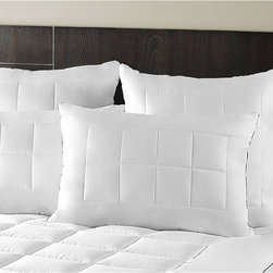 Maison Luxe - Mais�n Luxe Ultimate Comfort & Support Luxury Side Sleeper Pillows (Set of 2) - Sleep soundly with this ultimate luxury pillow set. The pillow shell is made with breathable 300 thread count finest high quality cotton for a good night rest. Sold in a set of two,these hypoallergenic pillows are machine washable for easy care.