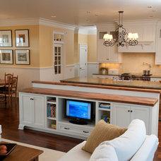 Traditional Kitchen by Kirstin Havnaer, Hearthstone Interior Design, LLC