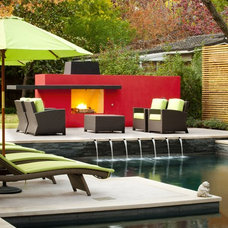 Contemporary  by Pool Environments, Inc.