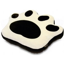 Modern Dog Beds by P.L.A.Y.