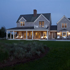 Beach Style  by Nantucket Architecture Group Ltd.