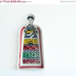 Swedish ceramic woman platter from MonkiVintage on etsy -