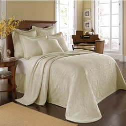 Historic Charleston Collection - King Charles Matelasse Ivory Queen Bedspread-Only - - Steeped in Historic Charleston?s rich, classic style and decorative arts culture, the King Charles 100% cotton matelass� bedding collection offers a unique blend of European, Caribbean, and Asian influences.   - King Charles matelass� bedding offers a luxuriously soft bedspread, coverlet, bed skirt, shams and decorative accent pillows featuring classic 19th century motifs representing the sun, a topiary, a pheasant, and a pineapple.   - The superior design of the King Charles matelass� bedding ensemble can be traced back to England circa 1820, incorporating key influences from that time period including the fine arts and superior craftsmanship.   - Each piece is crafted individually on special weaving looms to create the luxurious design that defines this lovely matelass� bedding collection.   - Highs and lows created during the jacquard weaving process allow the intricate designs and motifs to come to life.   - Designs from the archives of Historic Charleston?s heritage, were interpreted to create the lovely King Charles bedding set.   - Rolling arches, half-moons, double diamonds and scrolling vine details wrap around the classic topiary, pheasant, sun and pineapple motifs.   - Coverlet and bedspread drape beautifully over the bed to reveal rounded corners.   - Pair the bedspread or coverlet with bed skirt to create a complete look.   - Add coordinating, decorative shams and pillows to create the ultimate bedroom oasis.   - The heavy-weight, stonewashed matelass� of King Charles bedding ensures life-long durability and style for generations to come.   - Queen bedspread measures 102W x 120L.   - Crafted in Portugal.   - Stone-washed.   - 100% cotton matelass�.   - The Historic Charleston Foundation was established in 1947 and is a nonprofit organization whose mission is to preserve and protect the historical, architectural and material culture that make up Charleston?s rich and irreplaceable heritage.   - Queen bedspread only, all other coordinating items sold separately.   - Please note photo may not represent actual size being ordered.   - No decorative objects included. Historic Charleston Collection - 11182QUEENBDIV