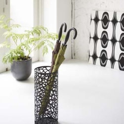 Nest - Black Metal Round Umbrella Stand, Modern Home Decor - This Umbrella Stand is the perfect addition to your foyer or entryway, offering both striking elegance and practicality.