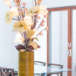 The Firefly Garden - Clover Club - A gorgeous modern style arrangement featuring illuminated Sola Wood Magnolias, Clover Club is a wonderful addition to a home or office entry way.