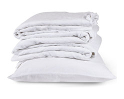 The Linen Works - Cassis Rose Bed Linen Collection - Duvet Cover, White, Single - Our Classic White bed linen is exactly that, a classic.  Pre-washed for maximum comfort, these breathable fibers have a heat-regulating quality which encourages good sleep, making this duvet cool in summer and warm in winter.