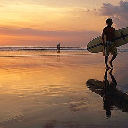 Magic Murals - Surfer at Beach Sunset Wallpaper Wall Mural - Self-Adhesive - Multiple Sizes - M - Surfer at Beach Sunset Wall Mural