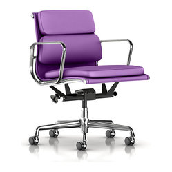 Eames Soft Pad Management Chair, Dream Cow Leather