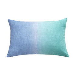 OMBRÉ PILLOW - STARLING - The Bandhani style of tie-dyeing is a centuries-old process that involves tying threads tightly around parts of the fabric to create varied and unique patterns. Our linen hand-dyed pillow covers are brilliant and eye-catching. They come in a stunning variety of colors and patterns, so you're guaranteed to find the perfect one to update your space.