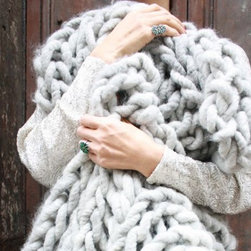 Loopy Mango Merino Double Rib Throw Knitting Kit - I'm loving this chunky knit and that the pattern is for beginners. I wonder how big the needles are in this kit?